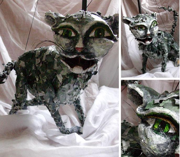 Anit, die Katze, ist eine Puppenspielerpuppe aus Papier, Holzleim, Acryl, Draht und Hanfseil